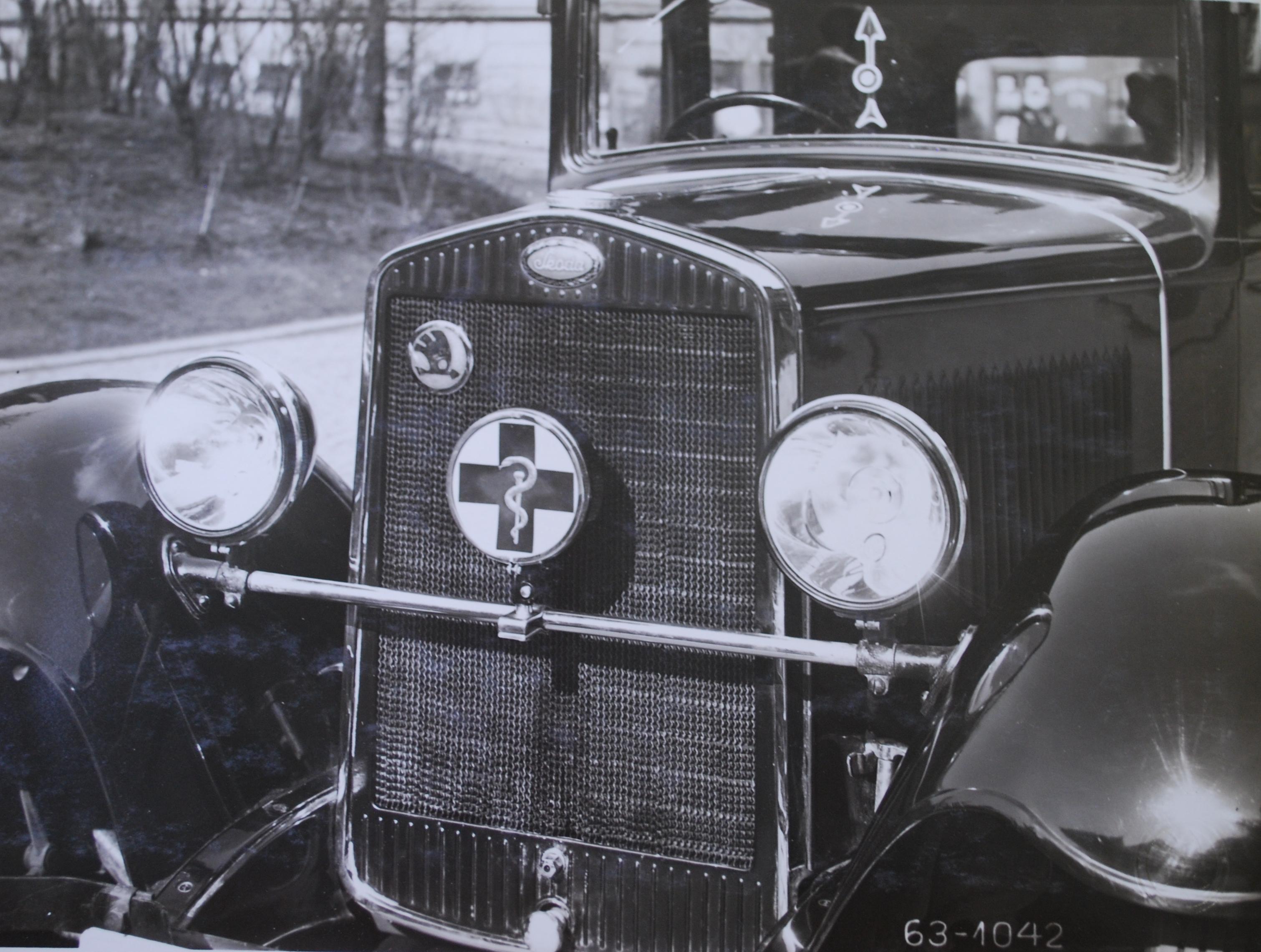 Physician's Car Badge (1931), Škoda Auto Archives.